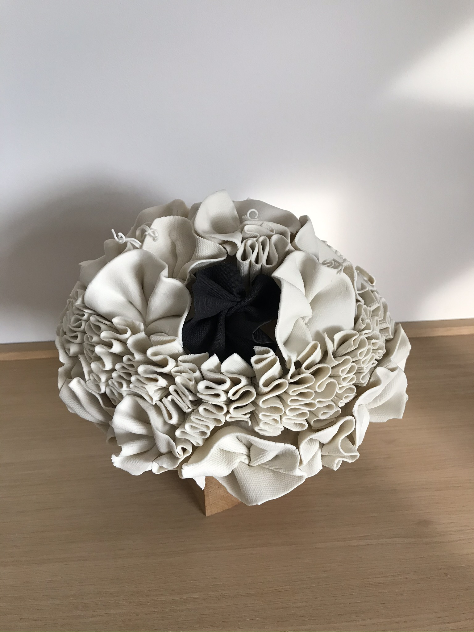 Sculpture en porcelaine - Pur Indigo - La minute déco